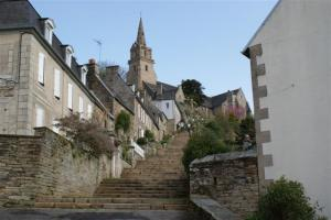 Steps up to Lannion church