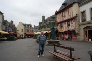 Walking the streets of Concarneau
