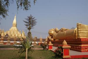 Stunning reclining Buddha