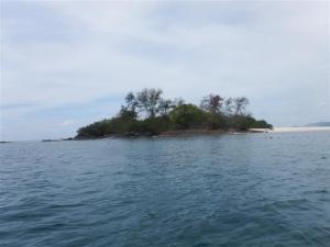 A proper deserted island