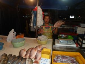 The fish stall in the night market - what cigarette?