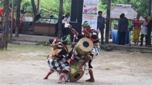 Drummer dancers