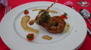 Tian of blue crab with basil marinated tiger prawn, carppacio of diver scallops and soya malibu froth