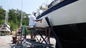 Cleaning the hull with oxalic acid